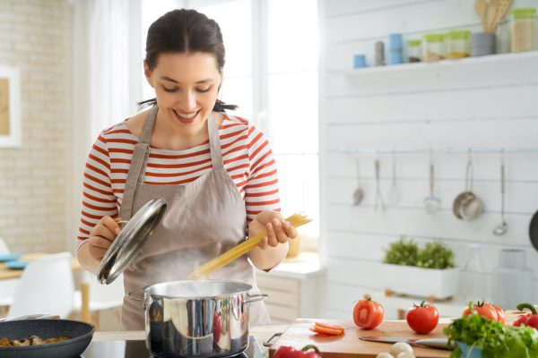 woman-is-preparing-proper-meal-GMJZT2F-e1569305653581